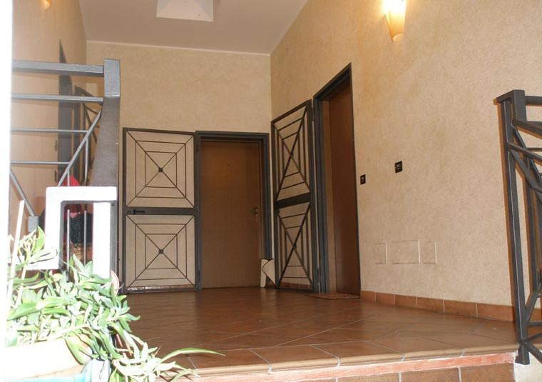 Nemine 39 80 appartamenti bologna centro bologna via - Chiusura vano scala interno ...